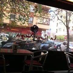 Photo taken at La Rosa Negra by Kharla P. on 4/15/2012