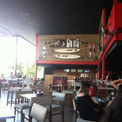 Photo taken at Five Sport Bar by Livia P. on 8/17/2012