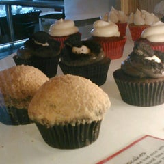 Photo taken at Lola Cookies & Treats by Theresa K. on 7/6/2012