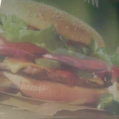 Photo taken at Burger King® by MasterQueenBoss on 8/10/2012
