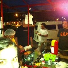 Photo taken at Raimundo Hot Dog by Gustavo P. on 4/29/2012