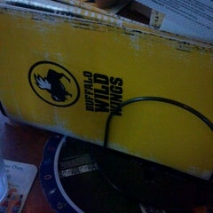 Photo taken at Buffalo Wild Wings by Juss Y. on 8/8/2012