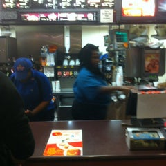 Photo taken at McDonald's by David Dj Force J. on 5/7/2012