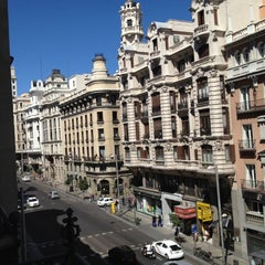 Photo taken at Hotel Catalonia Gran Vía **** by Orlando F. on 9/2/2012