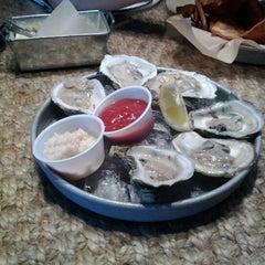 Photo taken at The Big Ketch Saltwater Grill - Buckhead by Yeeun T. on 5/12/2012