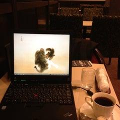 Photo taken at 喫茶室ルノアール 神田北口駅前店 by Yasutaka M. on 5/7/2012