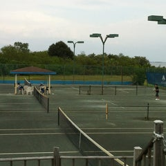 Photo taken at Safety Harbor SPA tennis by Laura G. on 5/14/2012