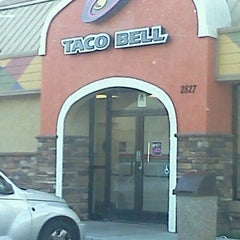 Photo taken at Taco Bell by Emma F. on 6/14/2012