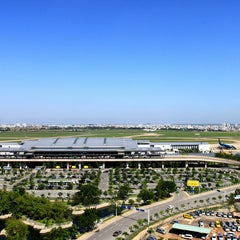 Photo taken at Tan Son Nhat International Airport (SGN) Sân Bay Quốc Tế Tân Sơn Nhất by Huy D. on 4/14/2012
