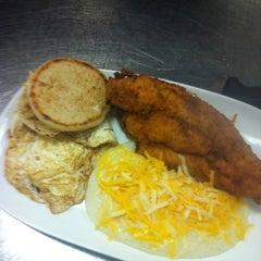 Photo taken at LongHorn Steakhouse by Robert K. on 3/21/2012
