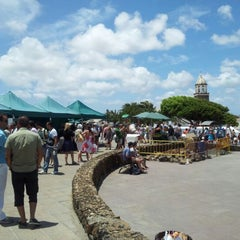 Photo taken at Mercadilllo De Teguise by Victor C. on 5/20/2012