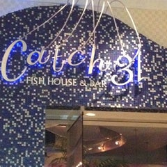 Photo taken at Catch 31 Fish House and Bar by Kristal T. on 7/8/2012