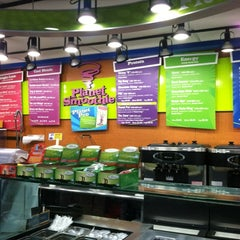 Photo taken at Planet Smoothie by Mindy A. on 5/7/2012