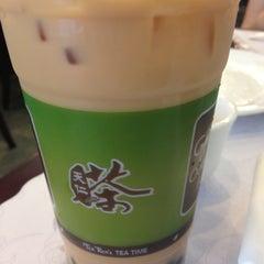 Photo taken at Ten Ren Tea 天仁茗茶 by Ivy on 6/16/2012