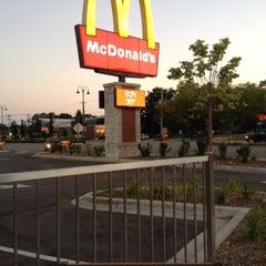 Photo taken at McDonald's by EL Penetrador F. on 7/17/2012