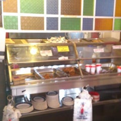 Photo taken at Edlee Fried Chicken by Shakery A. on 5/27/2012
