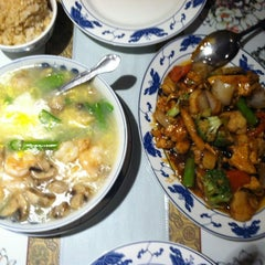 Photo taken at Shanghai Chinese Restaurant by Mary F. on 9/8/2012