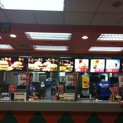 Photo taken at 麦当劳 McDonald's by kate g. on 6/26/2012