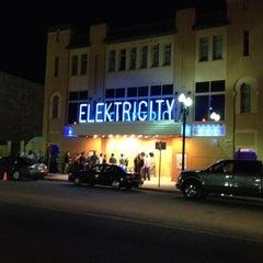 Photo taken at Elektricity Nightclub by simon a. on 4/7/2012