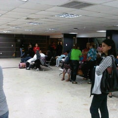 Photo taken at Terminal Peliexpress - Flamingo by Omar C. on 9/12/2012