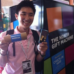 Photo taken at Nokia Gift Machine @ App Campus – Disrupt San Fran by Jun-seop on 6/21/2012