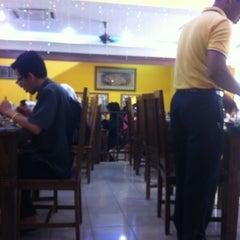 Photo taken at Mr. Kabab & Biryani by Deen Yusop on 5/29/2012