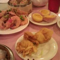 Photo taken at Star Kitchen by 🎀Cheryl🎀 on 5/12/2012
