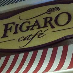 Photo taken at Figaro Café by Guilherme F. on 8/4/2012