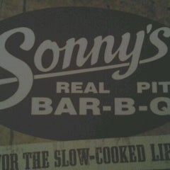 Photo taken at Sonny's BBQ by Racheal K. on 2/25/2012
