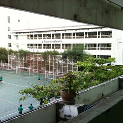 Photo taken at โรงเรียนทวีธาภิเศก (Taweethapisek School) by SaTanG s. on 2/29/2012