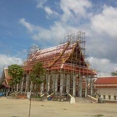 Photo taken at วัดท่าข้าม สามพราน by คุณชาย ระ ชานม ต. on 6/25/2012