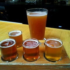 Photo taken at Bill's Tavern Brew House by Martin on 5/27/2012