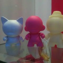 Photo taken at Snog Pure Frozen Yogurt by Talita S. on 3/26/2012