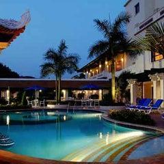 Photo taken at Sheraton Saigon Hotel & Towers by Yusri Echman on 4/10/2012