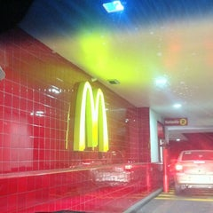 Photo taken at McDonald's by Gabriel V. on 6/14/2012