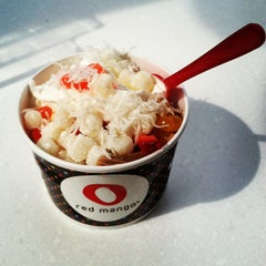 Photo taken at Red Mango by Alessandra D. on 8/5/2012