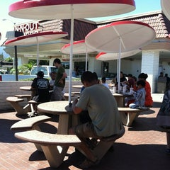 Photo taken at In-N-Out Burger by Erik S. on 7/8/2012