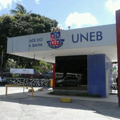 Photo taken at Universidade do Estado da Bahia (UNEB) by Júlio Popó #. on 4/23/2012