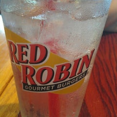 Photo taken at Red Robin Gourmet Burgers by Megan on 7/28/2012