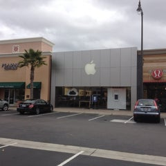 Photo taken at Apple Store, Carlsbad by Joe C. on 2/27/2012