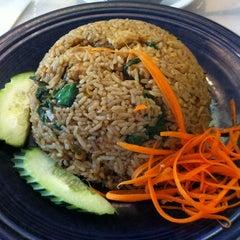 Photo taken at Amarin Thai Cuisine by Kawagishi H. on 2/18/2012