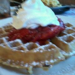 Photo taken at Sophia's House of Pancakes by Dennis J. on 9/4/2012