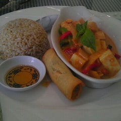 Photo taken at Tasty Thai by Manuel G. on 6/4/2012
