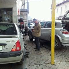 Photo taken at Spalatoria La Polonezu` by Vlad B. on 3/31/2012