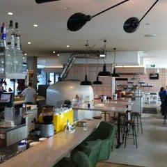 Photo taken at ocui [open cuisine] by Ricardo F. on 3/31/2012