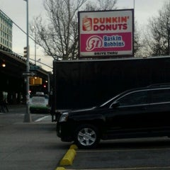 Photo taken at Dunkin Donuts by Munchie B. on 2/21/2012