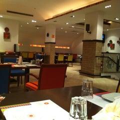 Photo taken at Chez Siran | دارة سيران by §Ø§Õ S. on 6/19/2012