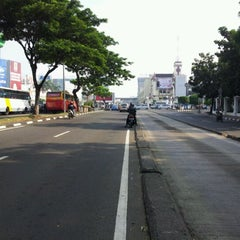 Photo taken at Perempatan Harmoni by Akbar K. on 4/25/2012