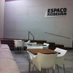 Photo taken at Espaço Rio Design by Zé R. on 5/8/2012
