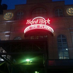 Photo taken at Hard Rock Cafe Baltimore by Tracy M. on 5/19/2012